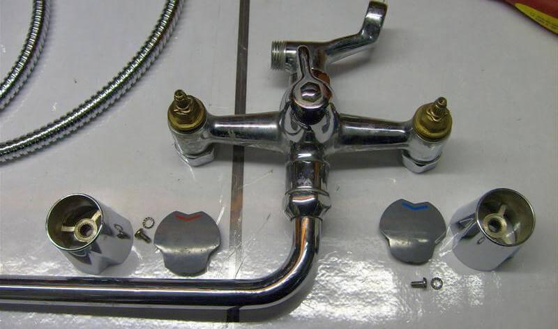 Как разобрать двухвентильный смеситель в ванной